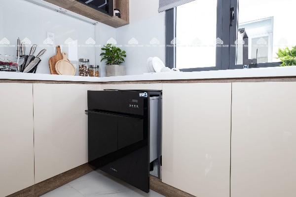 Máy rửa bát âm tủ có thiết kế sang trọng, tinh tế