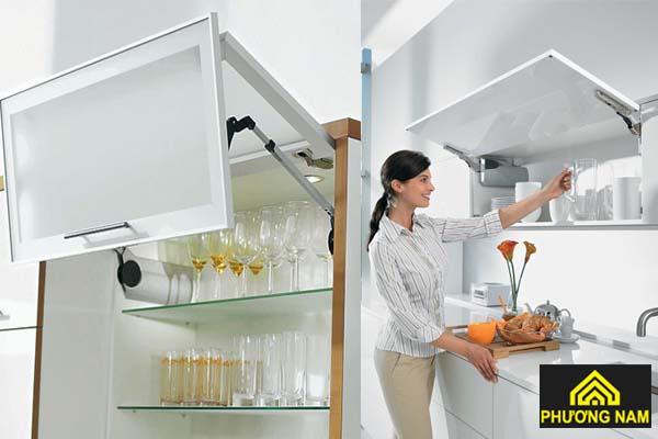 Tủ bếp cửa gập hiện đại sang trọng