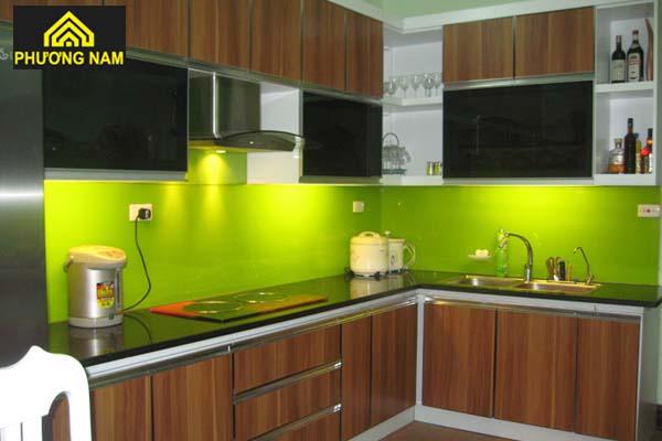 Tủ bếp nhôm cánh kính cường lực đẹp giá tốt tphcm
